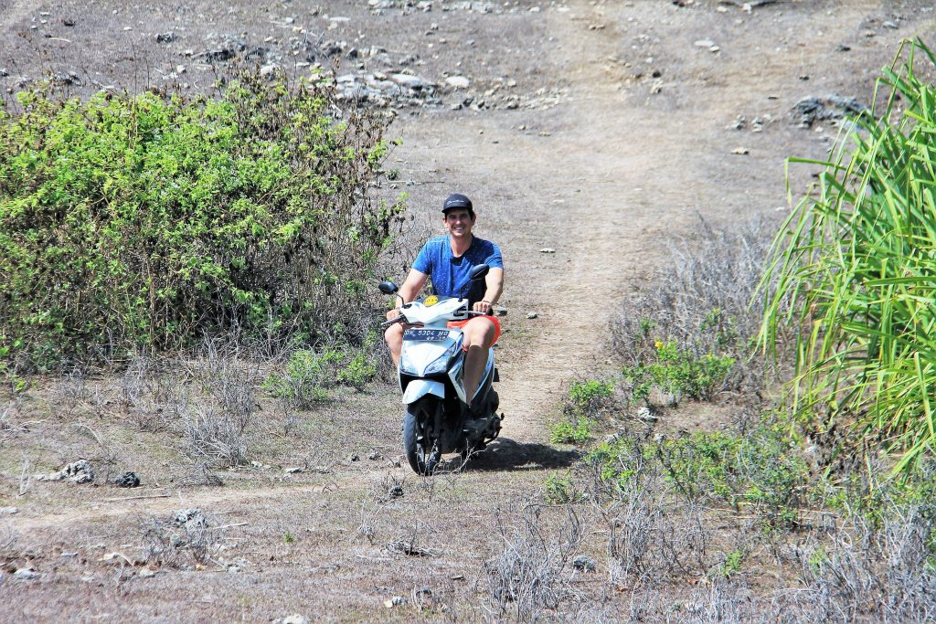 scooter nusa penida