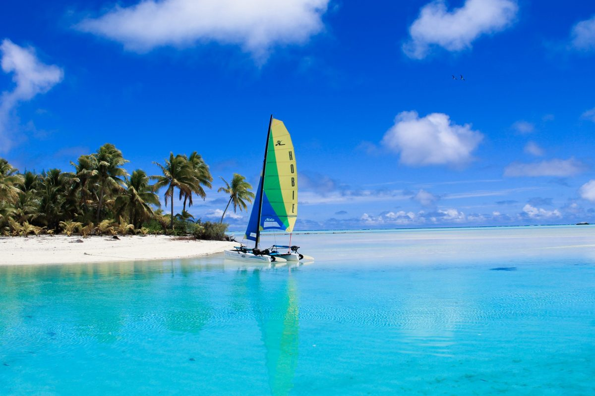Aitutaki one foot island